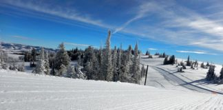 Spring skiing deals in Western US