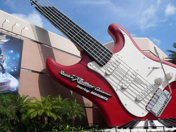 Rock 'N Rollercoaster ride